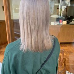 ハイトーンカラー ヌーディベージュ ベージュ ナチュラル ヘアスタイルや髪型の写真・画像