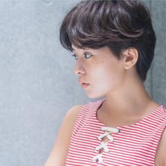 ミニボブ ナチュラル ショートヘア ハンサムショート ヘアスタイルや髪型の写真・画像