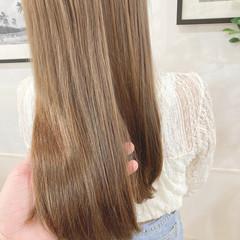ロング 透明感カラー ヌーディベージュ シアーベージュ ヘアスタイルや髪型の写真・画像