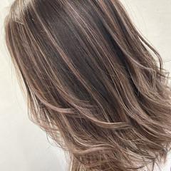 エレガント 極細ハイライト ハイライト ブリーチ ヘアスタイルや髪型の写真・画像