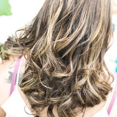 外国人風 バレイヤージュ ハイライト スポーツ ヘアスタイルや髪型の写真・画像