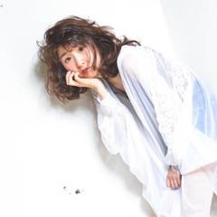 アンニュイ ガーリー 外国人風 パーマ ヘアスタイルや髪型の写真・画像