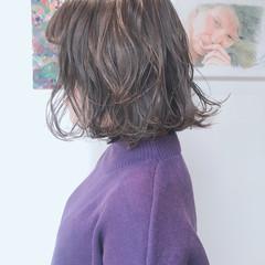 外ハネボブ グレージュ アンニュイほつれヘア ナチュラル ヘアスタイルや髪型の写真・画像