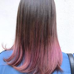 セミロング ピンクベージュ ラベンダーピンク ナチュラル ヘアスタイルや髪型の写真・画像