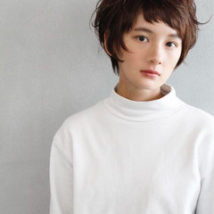 ジェンダーレス 小顔 ナチュラル オン眉 ヘアスタイルや髪型の写真・画像