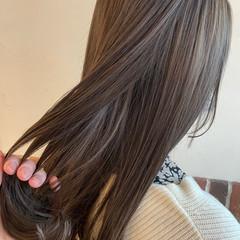 グレージュ オリーブグレージュ ミルクティーベージュ ナチュラル ヘアスタイルや髪型の写真・画像