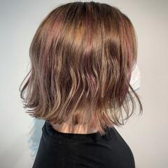 ナチュラル 極細ハイライト ラズベリーピンク ボブ ヘアスタイルや髪型の写真・画像