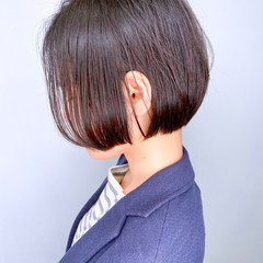 簡単スタイリング 大人かわいい ミニボブ 耳かけ ヘアスタイルや髪型の写真・画像