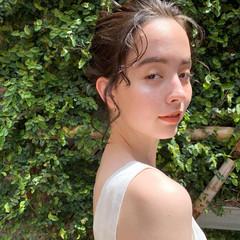 簡単ヘアアレンジ ナチュラル ミディアム 透け感ヘア ヘアスタイルや髪型の写真・画像