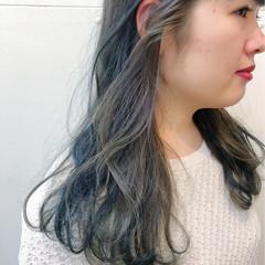 インナーカラー セミロング ブリーチなし 暗髪 ヘアスタイルや髪型の写真・画像