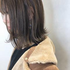 外国人風カラー 大人かわいい ナチュラル 切りっぱなしボブ ヘアスタイルや髪型の写真・画像