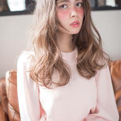 ガーリー フェミニン ウェーブ 外国人風 ヘアスタイルや髪型の写真・画像