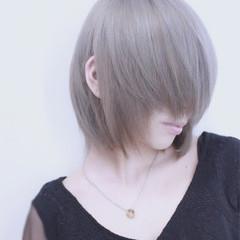 アッシュ シルバーアッシュ 透明感 ストリート ヘアスタイルや髪型の写真・画像