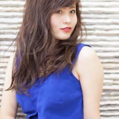 大人女子 黒髪 外国人風 フェミニン ヘアスタイルや髪型の写真・画像