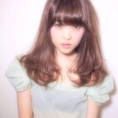 ガーリー 大人かわいい 愛され セミロング ヘアスタイルや髪型の写真・画像