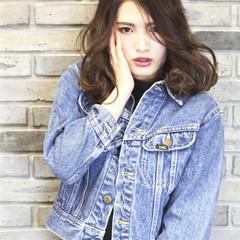 パーマ ストリート 大人かわいい アッシュ ヘアスタイルや髪型の写真・画像
