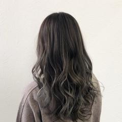暗色カラー ハイライト グレージュ ナチュラル ヘアスタイルや髪型の写真・画像