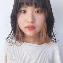 ミディアム インナーカラー アウトドア インナーカラーグレージュ ヘアスタイルや髪型の写真・画像