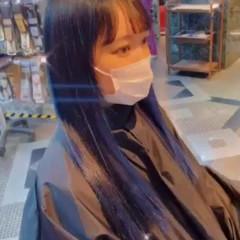 ブルーアッシュ ロング 派手髪 デザインカラー ヘアスタイルや髪型の写真・画像