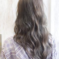 グレージュ アッシュグレージュ マットグレージュ フェミニン ヘアスタイルや髪型の写真・画像