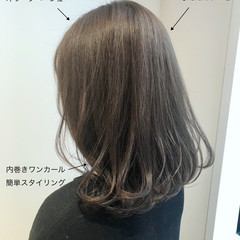 簡単スタイリング オリーブアッシュ アンニュイほつれヘア オリーブカラー ヘアスタイルや髪型の写真・画像
