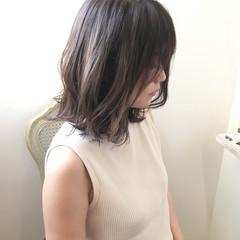 ハイライト バレイヤージュ アッシュベージュ 大人可愛い ヘアスタイルや髪型の写真・画像