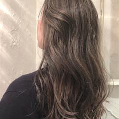 外国人風 ナチュラル グレージュ ローライト ヘアスタイルや髪型の写真・画像