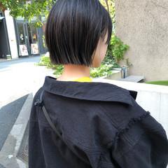 アッシュ ボブ ストリート 切りっぱなしボブ ヘアスタイルや髪型の写真・画像