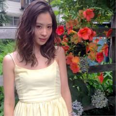 フェミニン ミディアム コンサバ ハイライト ヘアスタイルや髪型の写真・画像