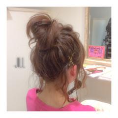 ヘアピン お団子 ルーズ ショート ヘアスタイルや髪型の写真・画像