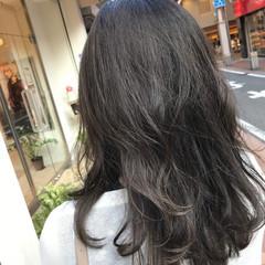 透明感 アッシュ グレージュ セミロング ヘアスタイルや髪型の写真・画像
