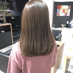 簡単ヘアアレンジ セミロング デート オフィス ヘアスタイルや髪型の写真・画像