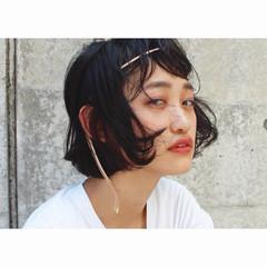 ワイドバング ショート モード 黒髪 ヘアスタイルや髪型の写真・画像