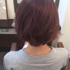 ガーリー ピンク マルサラ ショート ヘアスタイルや髪型の写真・画像