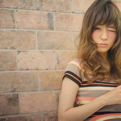 セミロング ハイライト 外国人風 大人かわいい ヘアスタイルや髪型の写真・画像