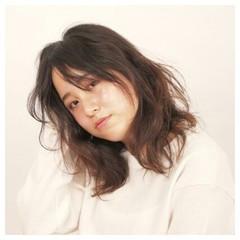 外国人風 アッシュ セミロング パーマ ヘアスタイルや髪型の写真・画像