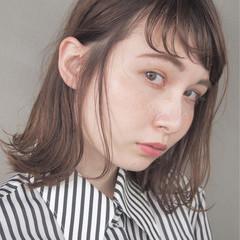 ハイライト アッシュ ナチュラル ストレート ヘアスタイルや髪型の写真・画像