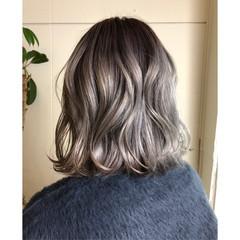 ホワイト グレージュ ガーリー ハイライト ヘアスタイルや髪型の写真・画像