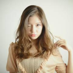 フェミニン ガーリー 無造作 セミロング ヘアスタイルや髪型の写真・画像