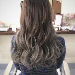 暗髪 外国人風 ヘアアレンジ グラデーションカラー ヘアスタイルや髪型の写真・画像