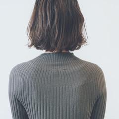 アッシュグレージュ 愛され ブルージュ フェミニン ヘアスタイルや髪型の写真・画像