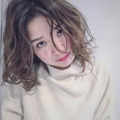 大人かわいい 外国人風 パーマ ナチュラル ヘアスタイルや髪型の写真・画像