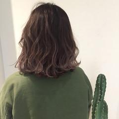 ナチュラル ラベンダーアッシュ 女子会 外国人風 ヘアスタイルや髪型の写真・画像