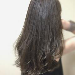 暗髪 透明感 アッシュグレージュ ロング ヘアスタイルや髪型の写真・画像