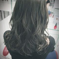 グラデーションカラー セミロング 外国人風 ブルージュ ヘアスタイルや髪型の写真・画像