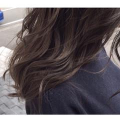 グレージュ ストリート アッシュ ロング ヘアスタイルや髪型の写真・画像