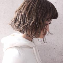 外国人風 ボブ アッシュ パーマ ヘアスタイルや髪型の写真・画像