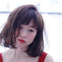 アンニュイ ボブ 流し前髪 ふわふわ ヘアスタイルや髪型の写真・画像