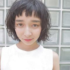 ピュア ガーリー くせ毛風 黒髪 ヘアスタイルや髪型の写真・画像