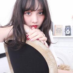 アッシュ 大人かわいい セミロング 外国人風 ヘアスタイルや髪型の写真・画像